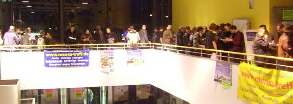 Blick in die Runde der Teilnehmer